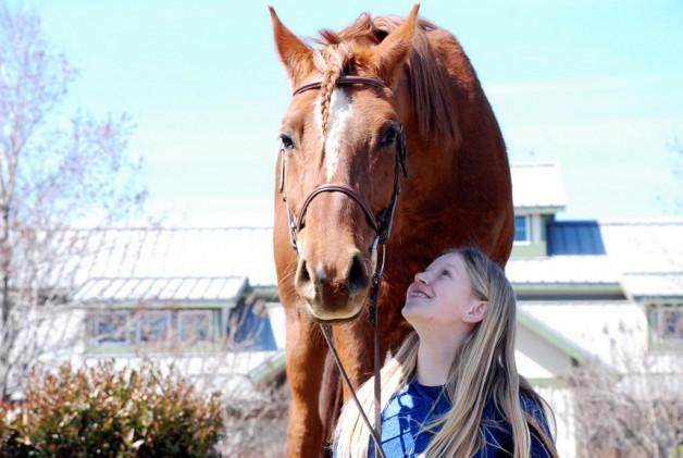 Trine elsker heste